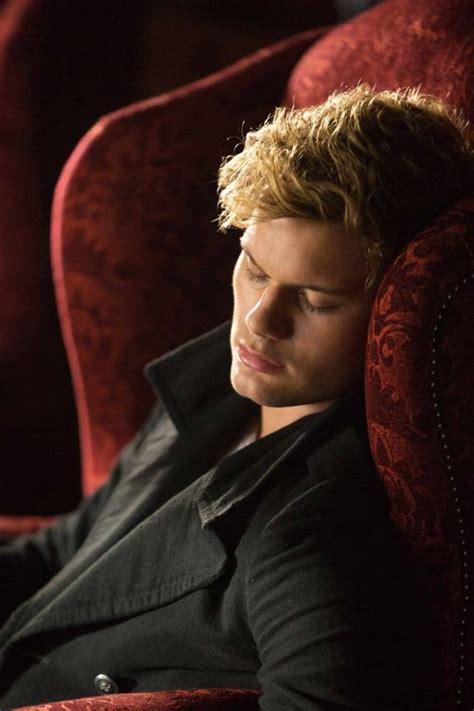 fallen film facebook foto di jeremy irvine screenweek