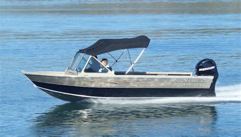 alumaweld boat models research 2013 alumaweld boats stryker sport 20 on