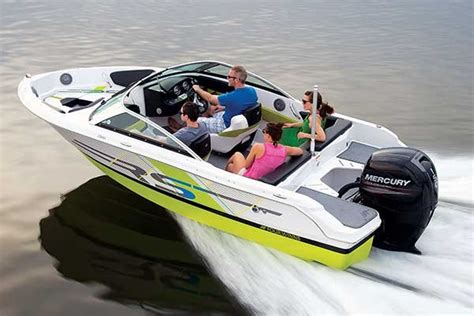 four winns boat weight the best boats for your money trailering boatus magazine