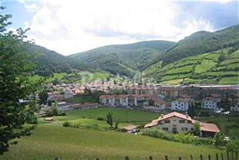 Resumen 8 Apellidos Vascos by Ocho Alojamientos Rurales Para Conocer El Euskadi De 8