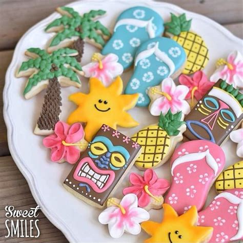 Summer Cookie Decorating Ideas by 25 Best Ideas About Hawaiian Cookies On Luau Cookies Flip Flop Cookie And Cookie