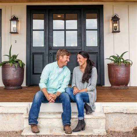 chip and joanna farmhouse best 20 fixer upper house ideas on pinterest fixer