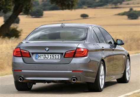2010 Bmw 525i by Bmw 5 Series 520i 2010 Auto Images And Specification