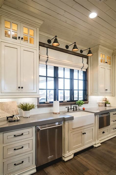White Kitchen Cabinets With Wood Trim by Best 25 White Cabinets Ideas On White