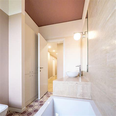 dipingere il soffitto come dipingere le pareti per valorizzare gli interni