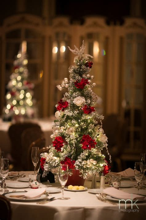 christmas centerpieces 20 perfect centerpieces for romantic winter wedding ideas