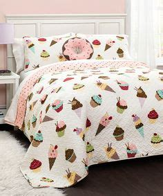 cupcake bedroom decor 1000 ideas about cupcake bedroom on pinterest cupcake