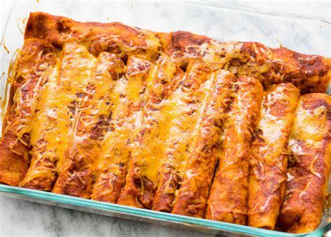 chicken enchiladas easy delicious simplyrecipescom