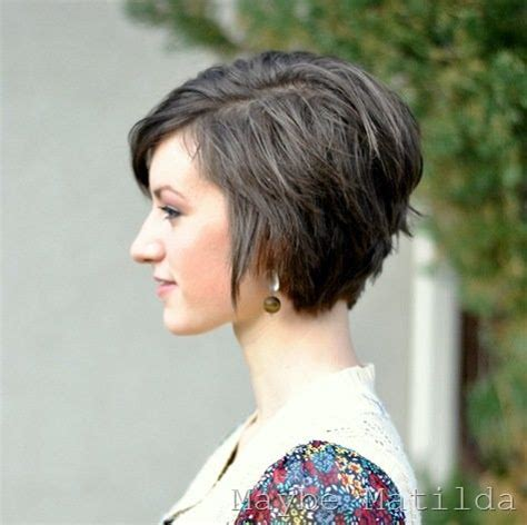 hairstyles for growing stacked bob out 18 pretty and chic short hairstyles for women pretty designs