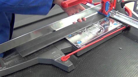 taglio piastrelle gres porcellanato taglio di gres porcellanato 10mm con tagliapiastrelle
