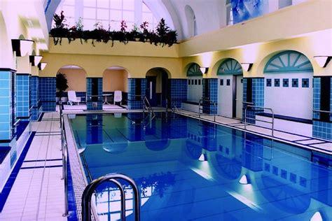 schwimmbad mit überdachung schwimmbad sauna hotel christophorus berlin spandau