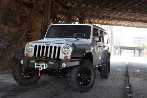 Jeep Wrangler Call Of Duty Edition Call Of Duty Mw3 Edition Jeep Stands At Attention