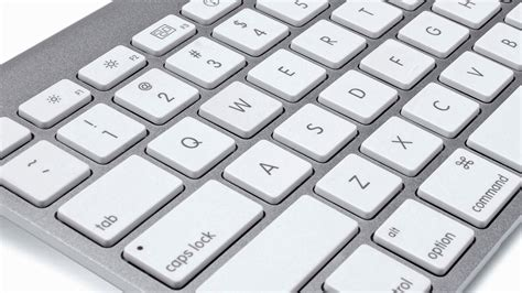 how to use an apple keyboard volume on windows 10