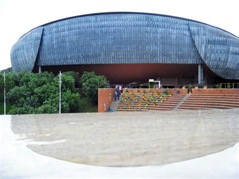 de roma vasi fichier auditorium parco della musica roma vasi colorati