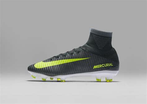 ronaldo juventus nike cristiano ronaldo lancia le sue nuove scarpe nike sono dedicate a lisbona calcio e finanza