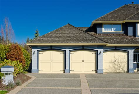 Rambler Style Home by 60 Residential Garage Door Designs Pictures