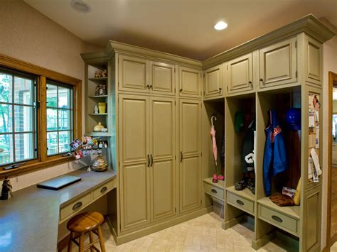 mudroom design ideas rustic country mudrooms decorating and design ideas for