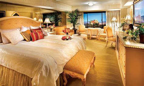 peppermill tower roman opulence super suite peppermill peppermill tower suites rooms peppermill reno resort hotel
