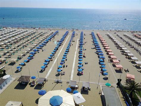 bagno la vela lido di camaiore tenda o ombrellone stagionale per estate 2018 a lido di
