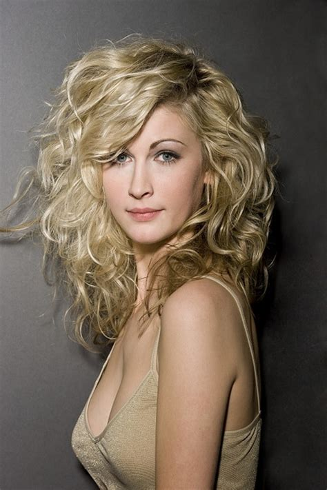 defined layered hairstyles long layered curly hairstyles
