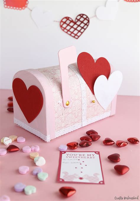 Valentines Day Paper Crafts - boxes pretty paper mache mailbox