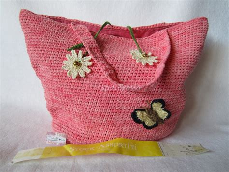 fiori all uncinetto con fettuccia borsa fettuccia rosa all uncinetto con farfalla e
