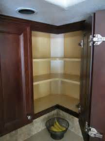 Corner Cabinet Solutions In Kitchens by Corner Cabinets Kitchen Corner And Cabinets On Pinterest