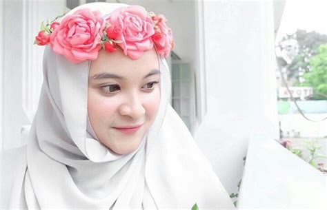 Crown Malang gaya percantik kamu dengan mahkota ala fashionista