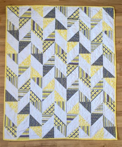 grey pattern quilt 52 best images about quilts yellow grey white on