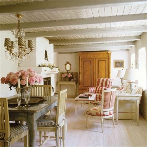 swedish farmhouse style keltainen talo rannalla kes 228 kuuta 2012