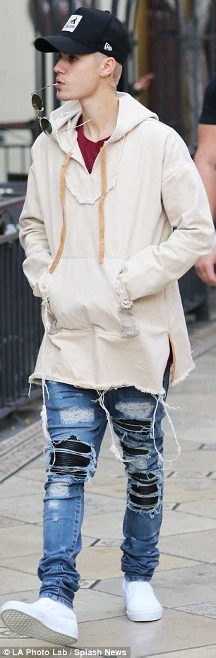 Offwhite I M His Sneaker Cde justin bieber hasn t been seen with hailey