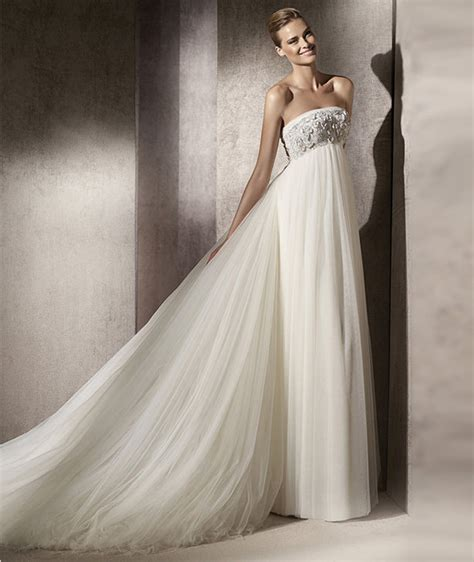 A Wedding Dress For A Pregant Chruch by Guide To Buying Wedding Dresses For Real
