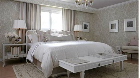 sarah richardson master bedroom playing it safe with bedroom decor the globe and mail