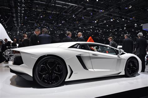 Lamborghini Black And White Luxury Lamborghini Cars Lamborghini Aventador Black And White