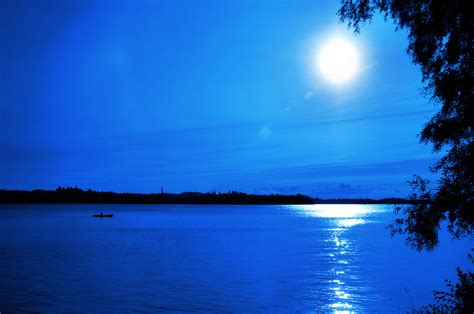 Qq Qq016 Light Blue qq wallpapers blue moon light wallpapers