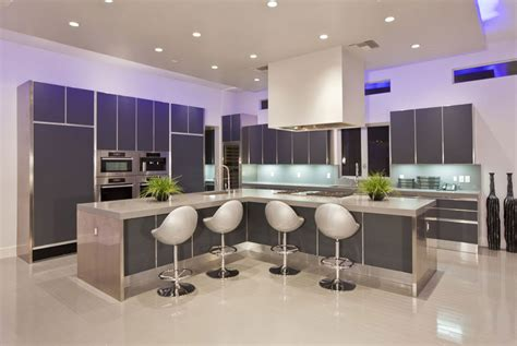 led kitchen lighting ideas 20 foto di cucine con isola con lato bar per la colazione