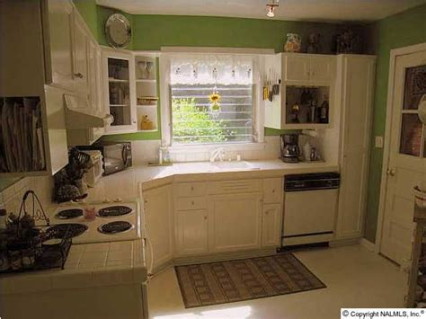 Apple White Paint Kitchen by 10 Best Images About Apple Green Paint On