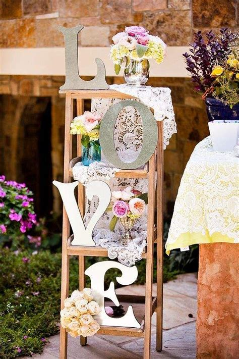 decorate your vintage wedding with seemly useless