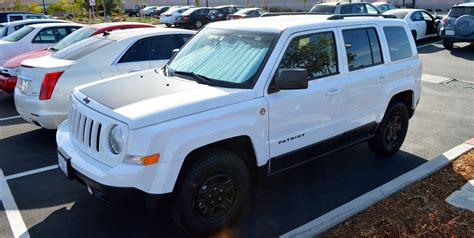 jeep patriot white with black rims 2014 jeep patriot wheel emblems hood