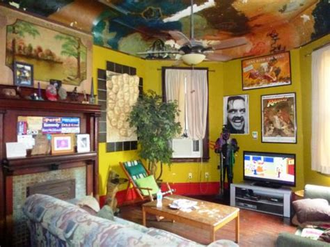 india house new orleans common area withtv picture of india house hostel new orleans tripadvisor