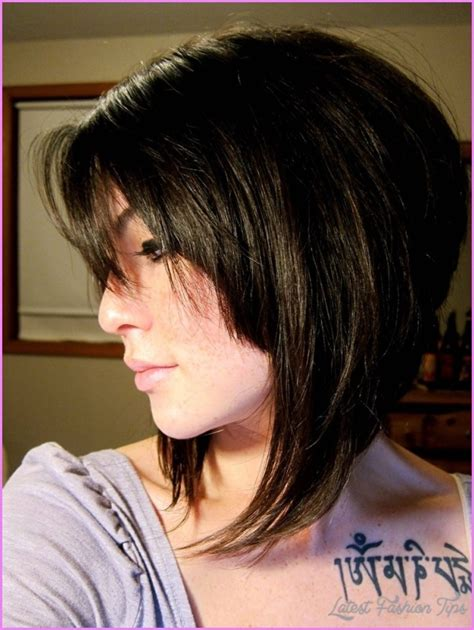 slanted hair styles cut with pictures angled bob haircut with bangs latest fashion tips