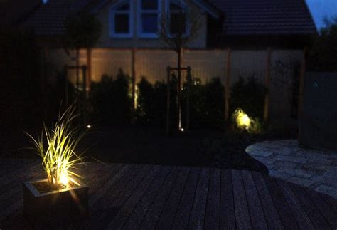 beleuchtung im garten leistungen licht im garten gr 252 nimpuls