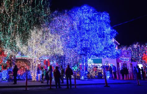 east bay christmas lights displays get your lights on 15 best bay area places to see lights east bay times