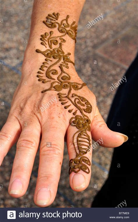 henna tattoo place henna stock photos henna stock images alamy