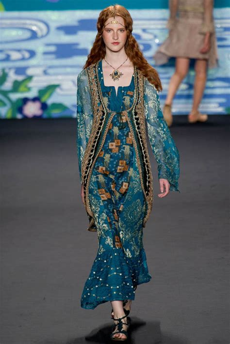 what to wear this summer 2014 women in their late 40s anna sui spring summer true bohemian ready to wear 2018