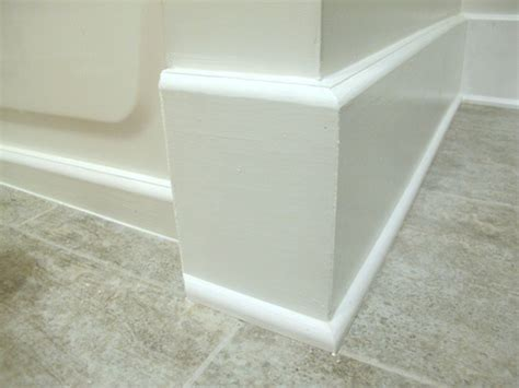 how to install baseboard trim in bathroom bathroom baseboards 2 jpg 475 215 356 pixels for the home