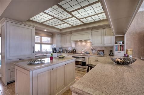 traditional kitchen with hardwood floors kitchen island