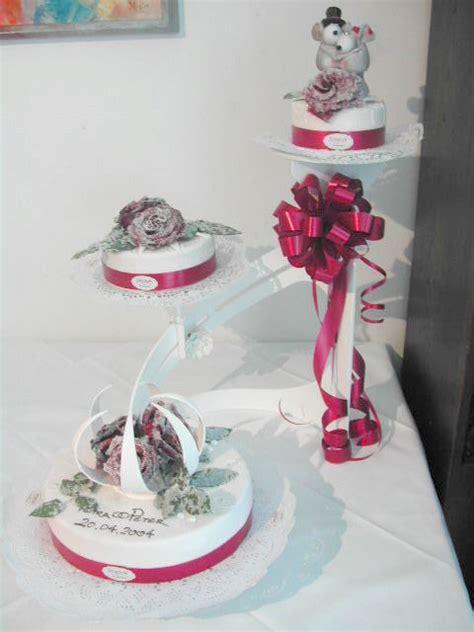 Hochzeitstorte Gestell Alle Guten Ideen 252 Ber Die Ehe