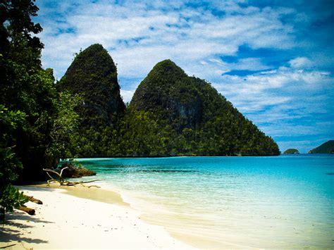 Regina Friskila: 7 Most Wonderful Beaches I Wanna Reach