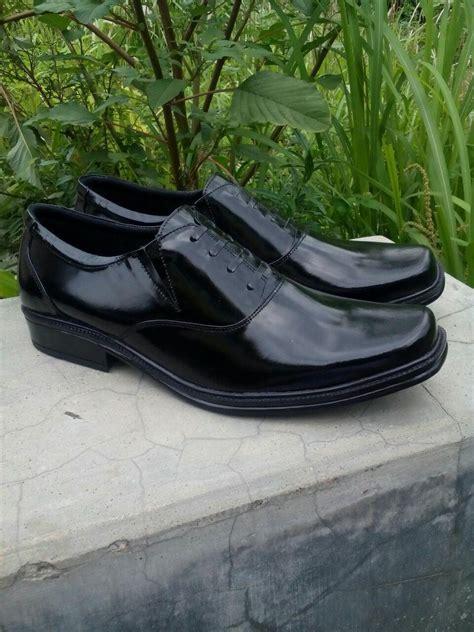Sepatu Pria Longwing Hitam Heiden Shoes Murah jual sepatu kulit pria branded dan mewah kualitas terbaik